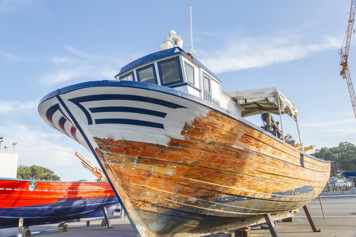 calfatage-coque-bateau-bois-meyer-sansboeuf