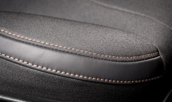 Stringage & piquage de siège automobile